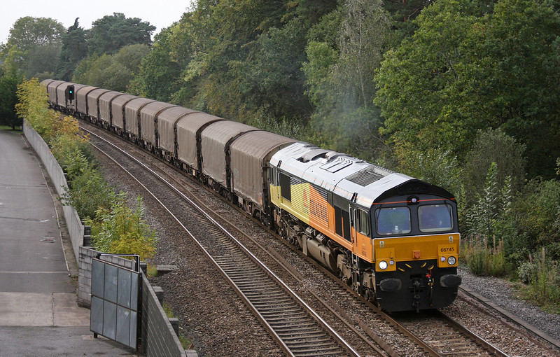 66745, 15.42 Llanwern-Dollands Moor, Coalpit Heath, near Bristol, 22-9-11.
