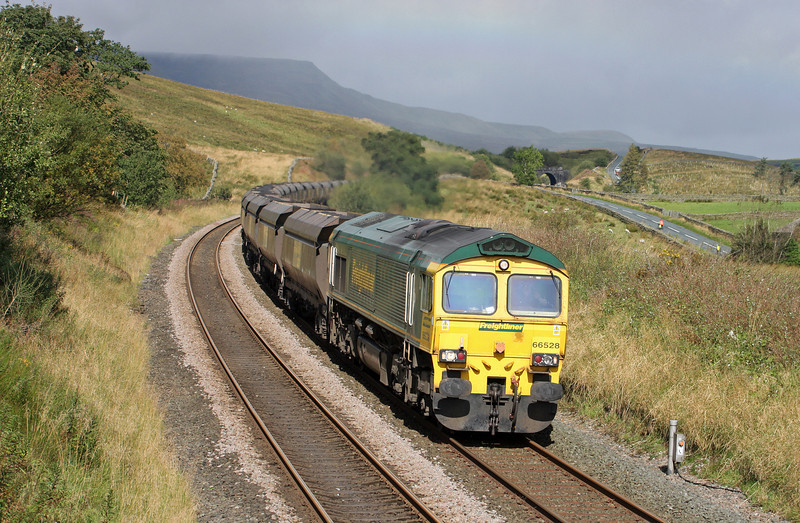 66528, 04.38 Killoch-Fiddlers Ferry Power Station, Grisedale Crossing, near Garsdale, 14-9-11.