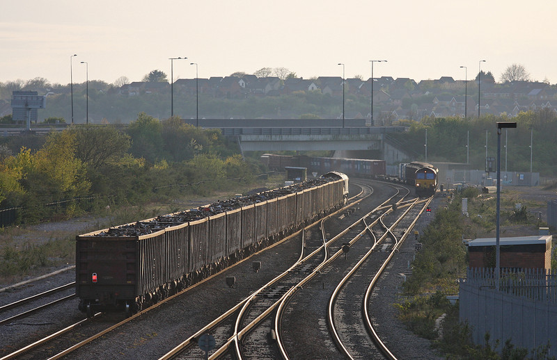 66008, 16.20 Handsworth-Cardiff Tidal, 66130, 17.56 Cardiff Wentloog-Didcot Yard, Severn Tunnel Junction, 24-4-12.