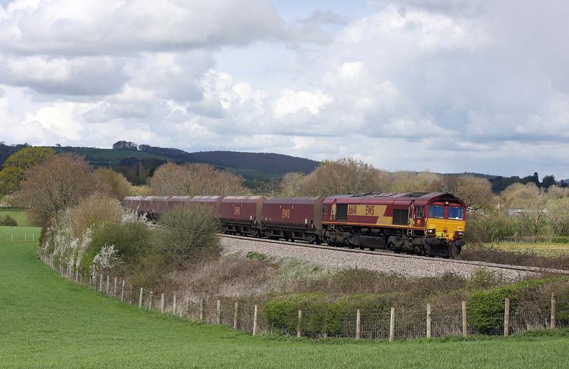66141, 03.53 Redcar-Margam, Box Farm, Awre, Gloucestershire, 11-4-12.