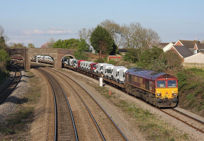 66105, 17.33 Portbury-Mossend, Magor, 24-4-12.
