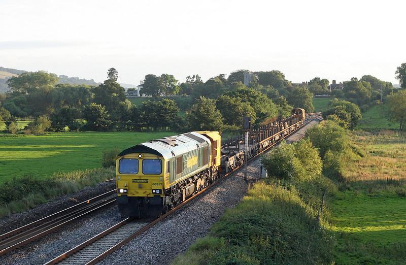 66957, 19.09 Newton Abbot Hackney Yard-Westbury,  Rewe, near Exeter, 13-8-12.