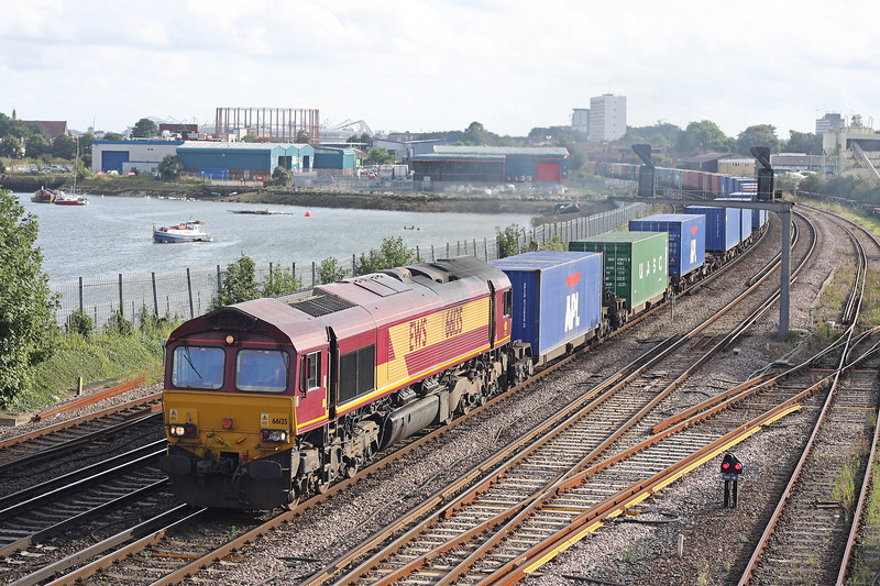 66135, 16.40 Southampton Western Docks-Wakefield, St Denys, Southampton, 28-8-12.