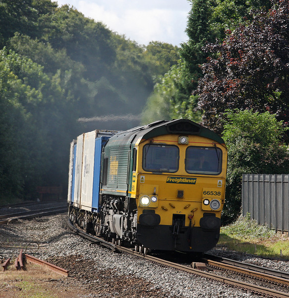 66538, 09.32 Southampton-Ditton, Micheldever Station, Hampshire, 23-8-12.