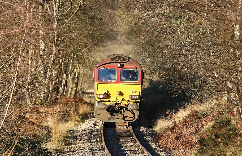 66085, 14.00 Cwmbargoed Opencast Colliery-Aberthaw Power Station, between Bedlinog and Trelewis, 5-12-12.