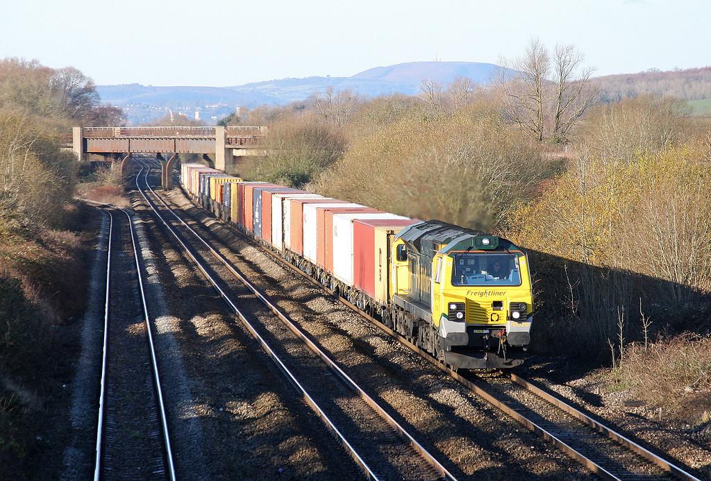 70020, 09.58 Cardiff Wentloog-Southampton, Llandevenny, near Llanwern, 5-12-12.