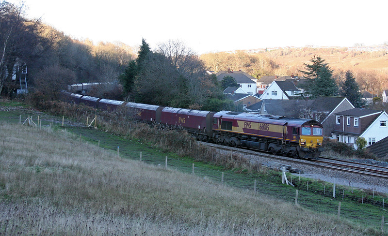 66085, 14.00 Cwmbargoed Opencast Colliery-Aberthaw Power Station, Ystrad Mynach, 5-12-12.