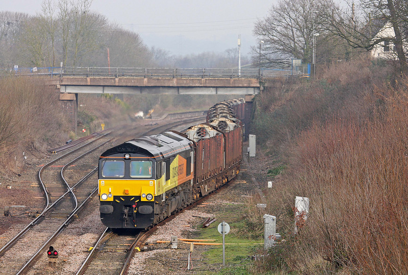 66847, 09.05 Gloucester New Yard-Teigngrace, departs Tiverton Loops, Willand, near Tiverton, 17-1-12.