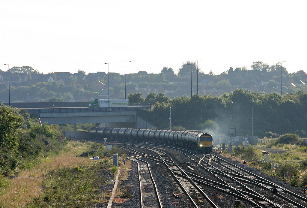 66739, 17.17 Cardiff Docks-Lindsey Oil Refinery, Severn Tunnel Junction, 24-7-12.