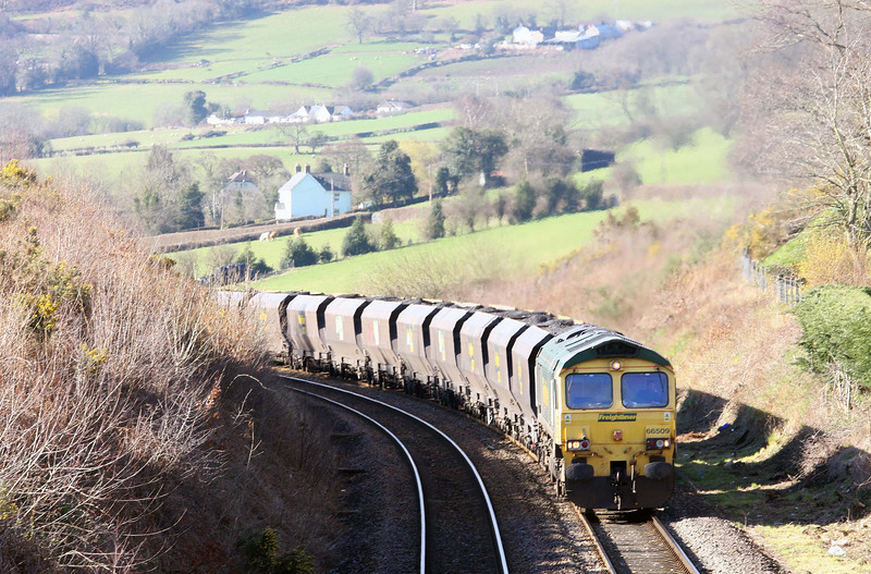 66509, 07.00 Portbury-Rugeley Power Station, Llanvihangel Crucorney, near Abergavenny, 19-3-12.
