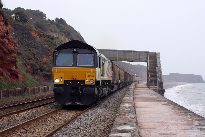 66745, 08.36 Gloucester New Yard-Teigngrace, Dawlish, 14-3-12.