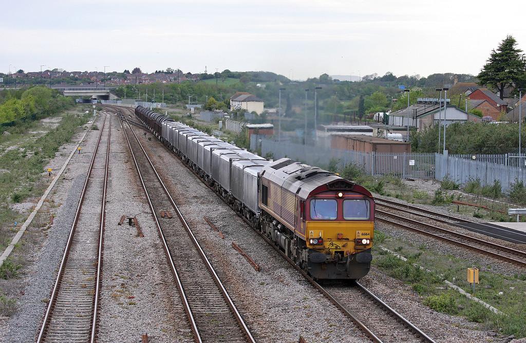 66164, 16.23 Margam-Hartlepool, Severn Tunnel Junction, 8-5-12. Failed north of Caldicot Station.