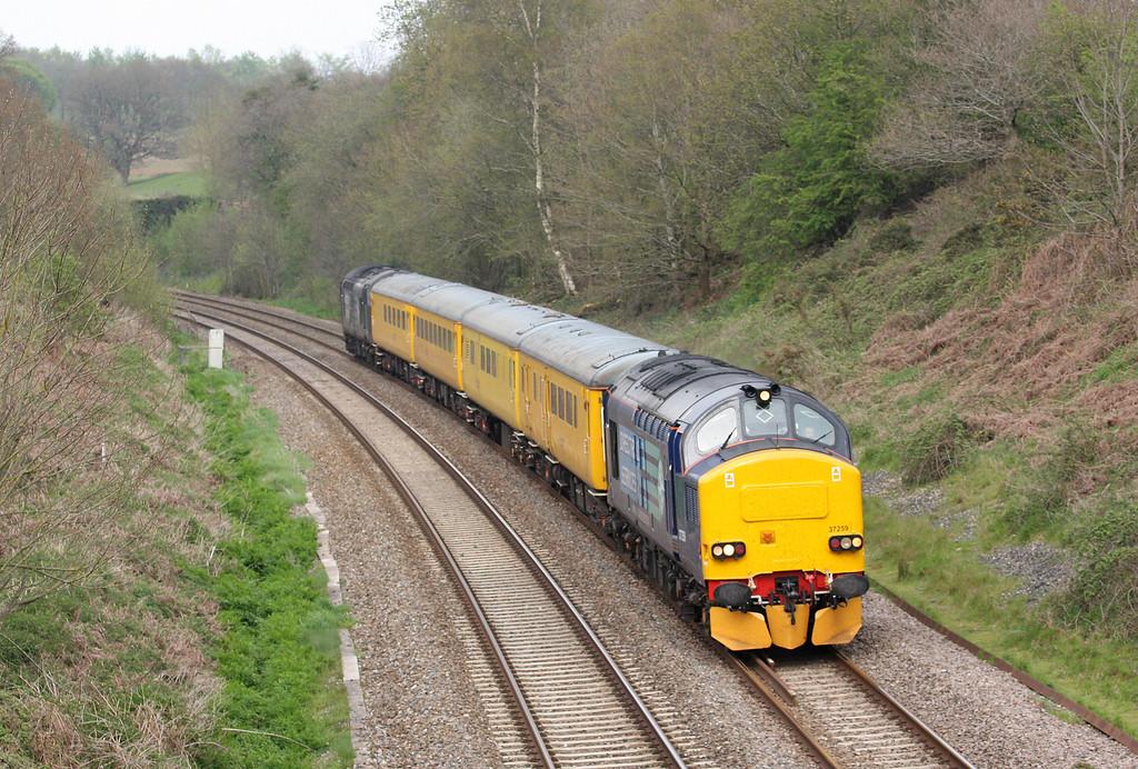 37259/37604, 15.40 Exeter Riverside-Yeovil-Castle Cary-Exeter Riverside, Whiteball, 2-5-12.