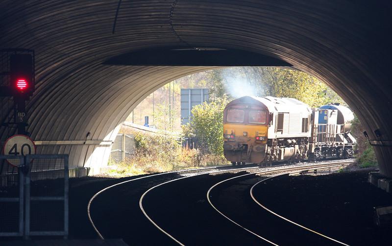 66109/66039, 11.34 Bargoed-Aberthaw-Margam, depart Bargoed, 5-11-12.