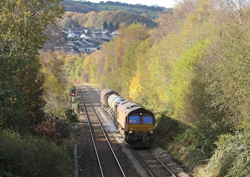 66039/66109, 09.18 Margam-Bargoed, Hengoed, near Ystrad Mynach, 5-11-12.