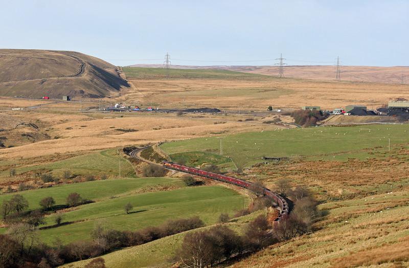 66250, 08.30 Aberthaw-Cwmbargoed Opencast Colliery, nearing Cwmbargoed, 29-11-12.