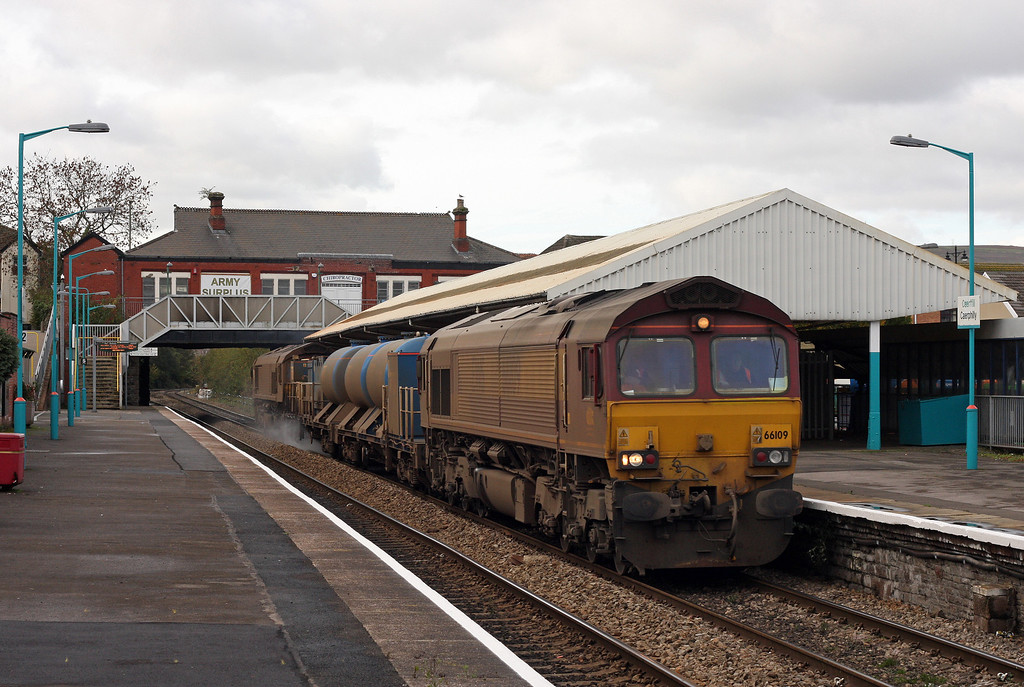 66109/66039, 11.34 Bargoed-Aberthaw-Margam, Caerphilly, 30-10-12.