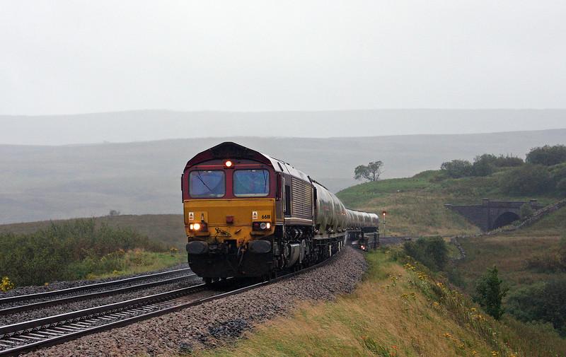 66111, 17.05 Clitheroe-Mossend, Grisedale Crossing, near Garsdale, 10-9-12.