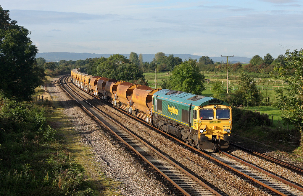 66555, 08.35 Taunton Fairwater Yard-Westbury Virtual Quarry, Cogload, 27-9-12.