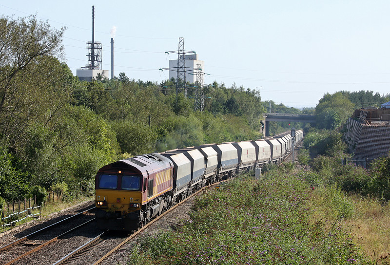 66113, 10.47 Hayes-Moreton-on-Lugg, departs Panteg loop, near Pontypool, 5-9-12.