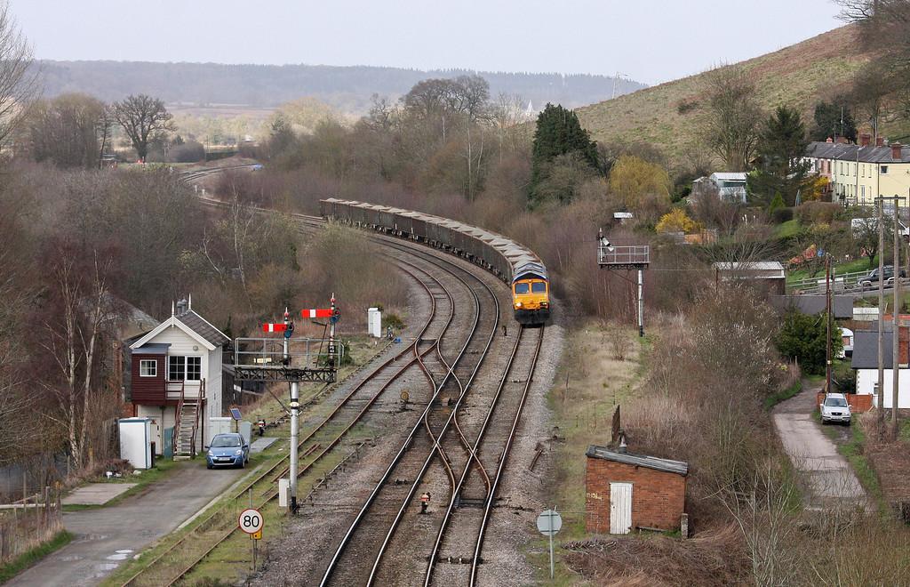66704, 16.30 Moreton-on-Lugg-West Drayton, Pontrilas, near Hereford, 15-4-13.