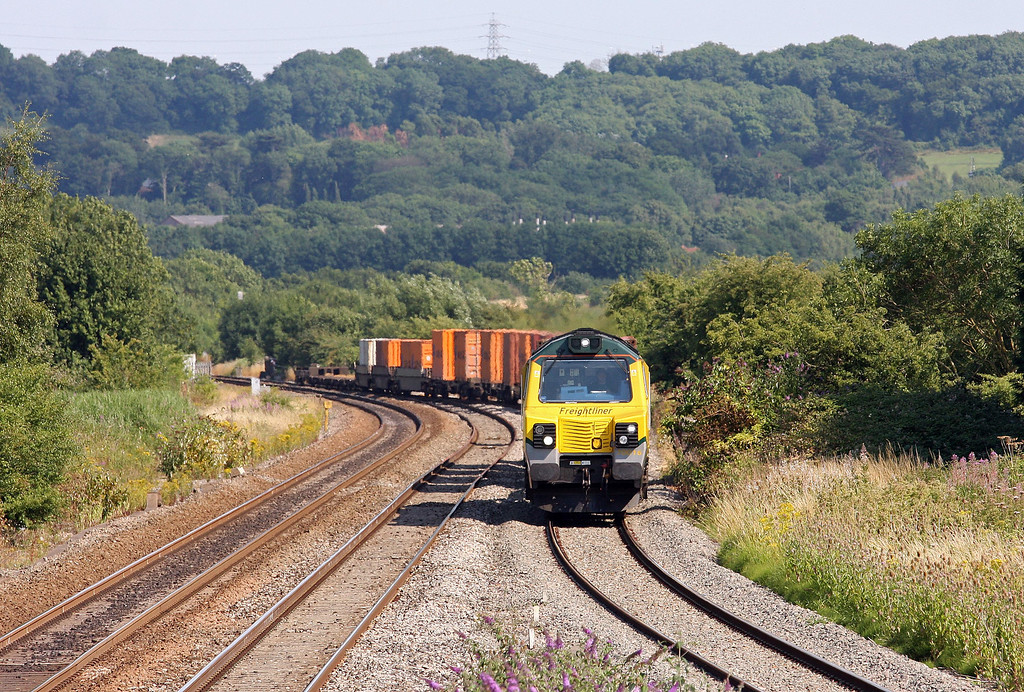 70016, 10.32 Southampton Millbrook FLT-Cardiff Wentloog (Freightliners), Pilning, 1-8-13. Late.