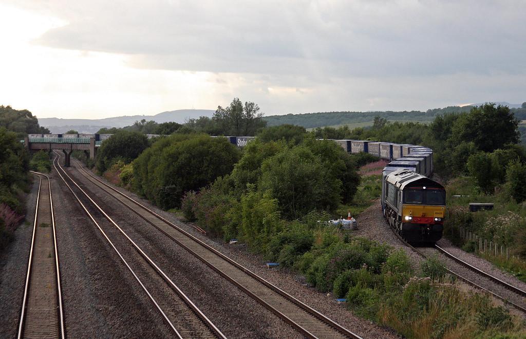 66428, 18.58 Cardiff Wentloog-Daventry DRS, Llandevenny, near Llanwern, 13-8-13.