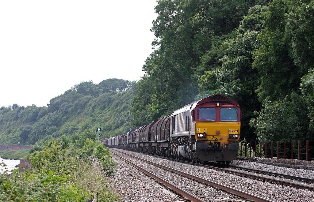 66124, 11.55 Margam-Round Oak, Gatcombe, near Lydney, 1-7-13.