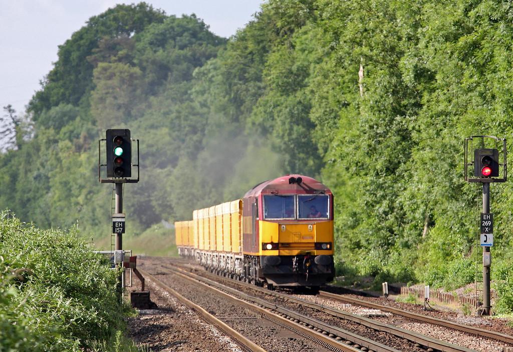 60049, 08.50 Eastleigh Yard-Cliffe Hill Stud Farm Quarry, Shawford, near Winchester, 24-6-13.