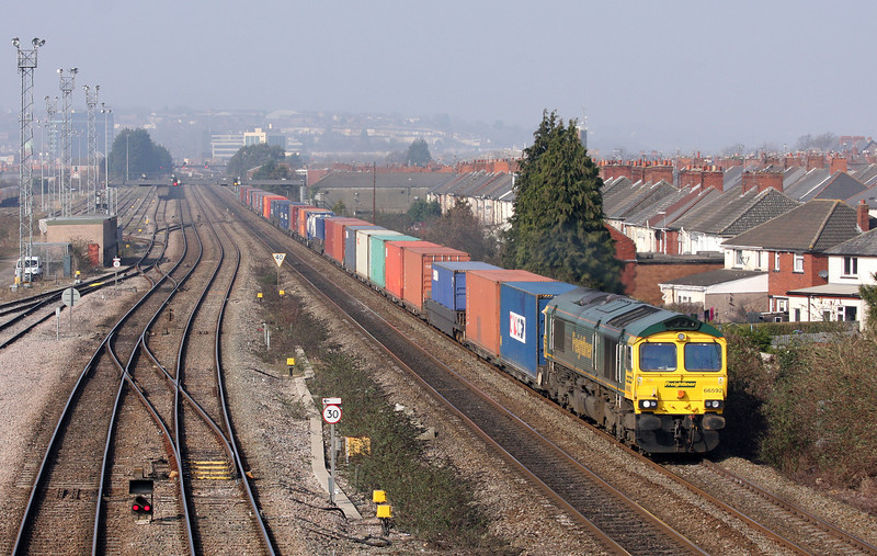66592, 09.58 Cardiff Wentloog-Southampton Millbrook, Somerton, Newport, 5-3-13.