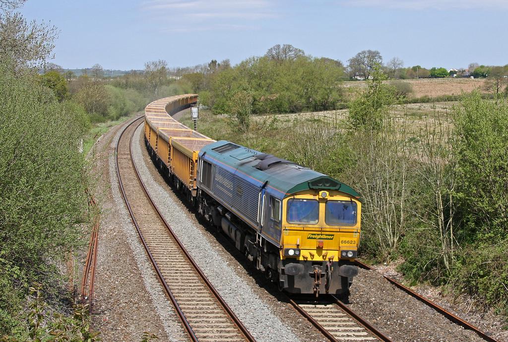 66623, 11.47 Westbury Yard-Exeter Riverside Yard, Willand, near Tiverton, 7-5-13.