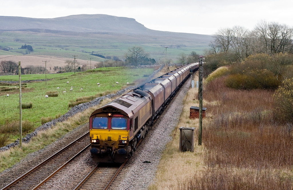 66129, 09.42 Drax Power Station-Hunterston, Salt Lake Cottages, near Ribblehead, 20-11-13.