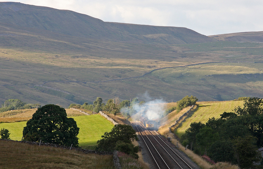 56302, restarting 10.07 Carlisle Yard-Chirk Kronospan,  Shotlock Hill, near Garsdale, 10-9-13, after 5hr delay caused by wagon problems with preceding 10.01 Hunterston-Fiddlers Ferry Power Station coal train hauled by 66551.