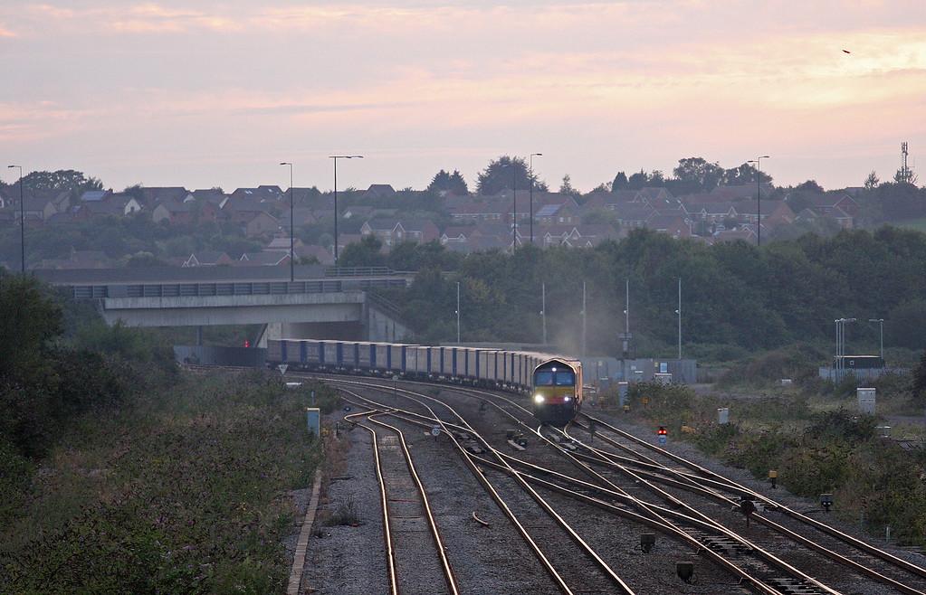 66425, 19.17 Cardiff Wentloog-Daventry DRS, Severn Tunnel Junction, 4-9-13.