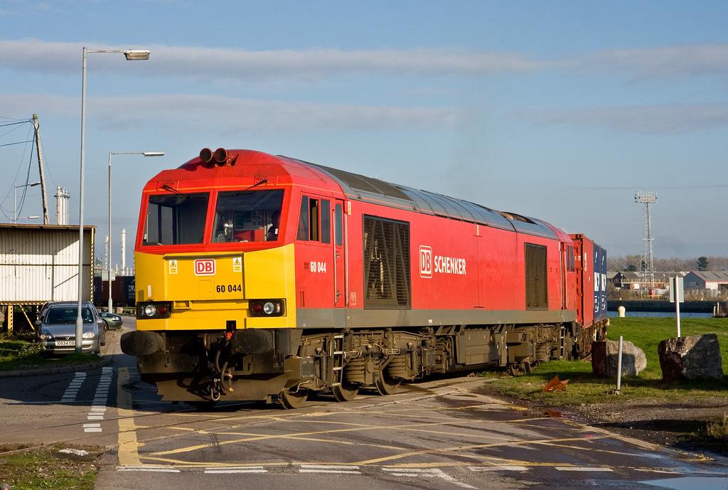 60044, 14.32 Barry Docks ABP Shipment-Newport Alexandra Dock Junction, departs Barry Docks, 18-11-14.