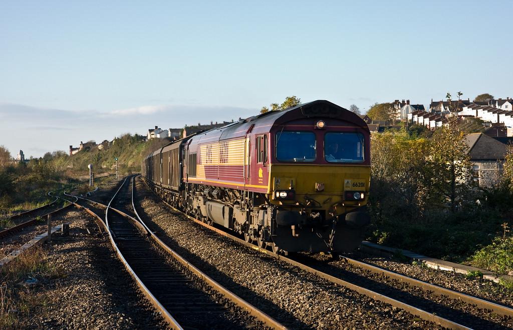 66201, 06.45 Bridgend Ford Sidings-Newport Alexandra Dock Junction, Cadoxton, near Barry, 5-11-14.