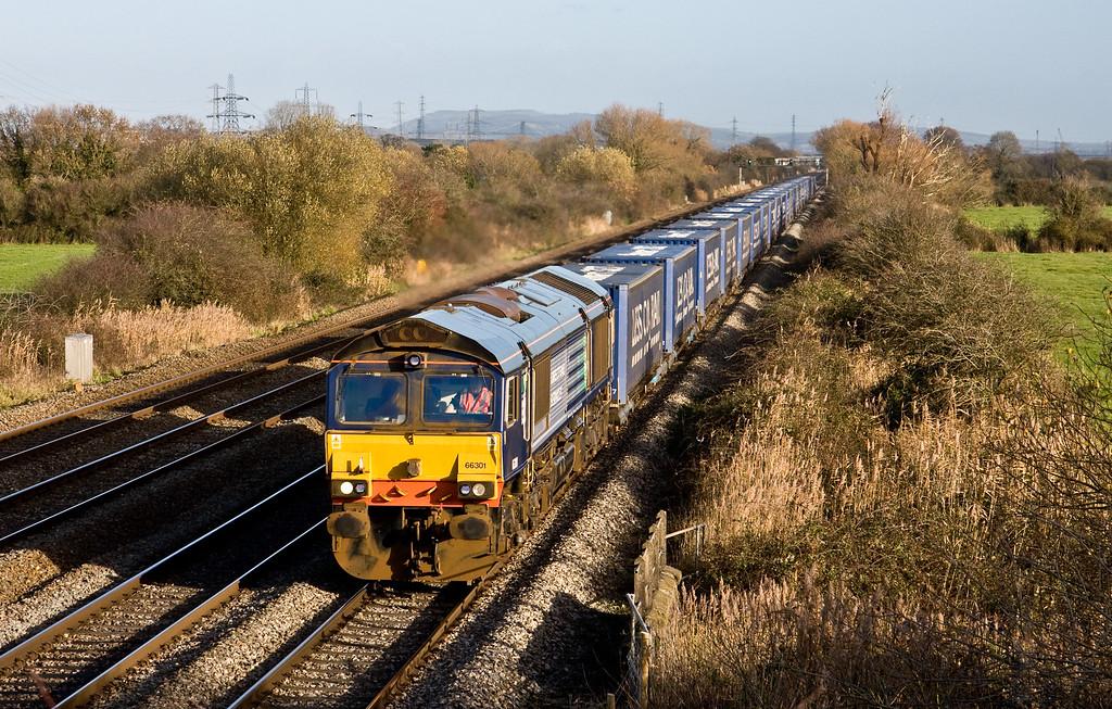 66301, 08.20 Daventry RFT-Cardiff Wentloog, Coedkernow, near Newport, 10-12-14.