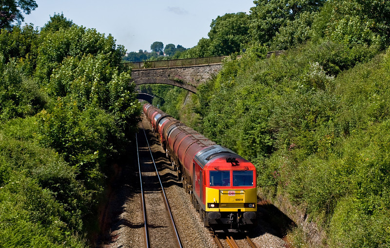 60019, 03.00 Robeston Sidings-Westerleigh Murco, Sedbury Lane, Chepstow, 19-6-14.