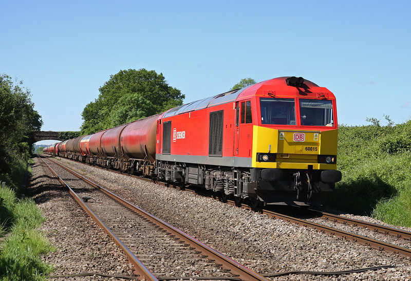 60015, 03.40 Robeston Sidings-Westerleigh Murco, Woolaston, near Lydney, 21-5-14.