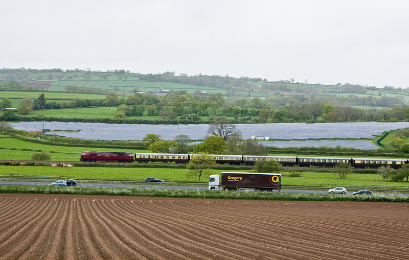 D1015, 07.05 Solihull-Plymouth, Pugham Crossing, near Burlescombe, 10-5-14.