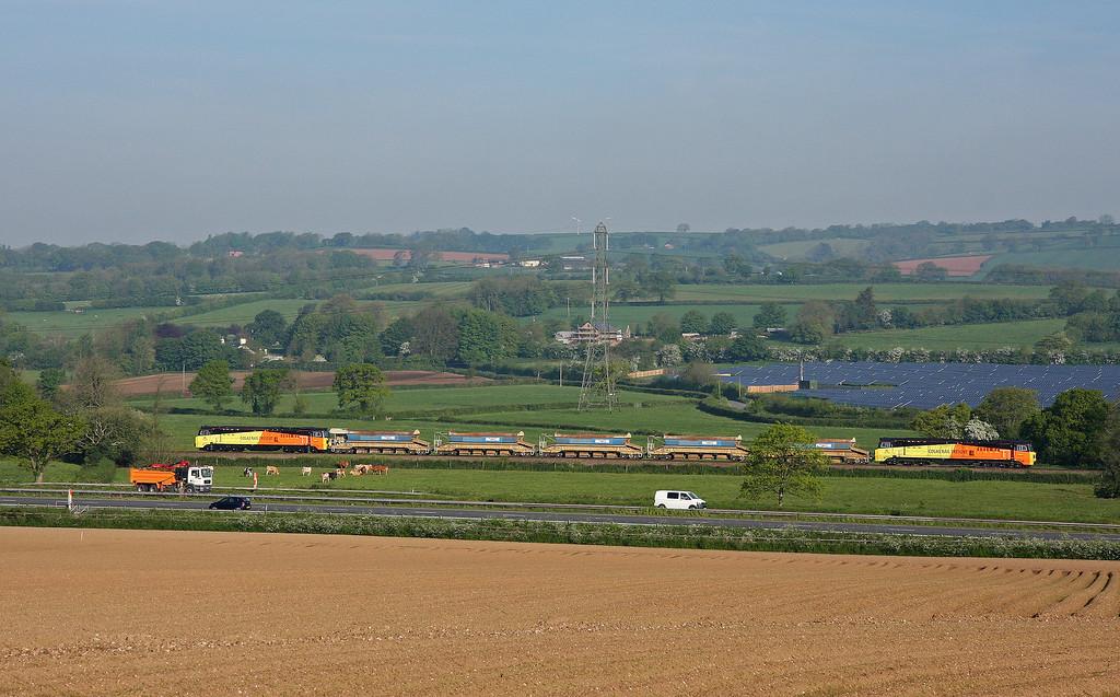 70804/70807, 00.51 St Erth-Westbury, Pugham Crossing, near Burlescombe, 16-5-14.