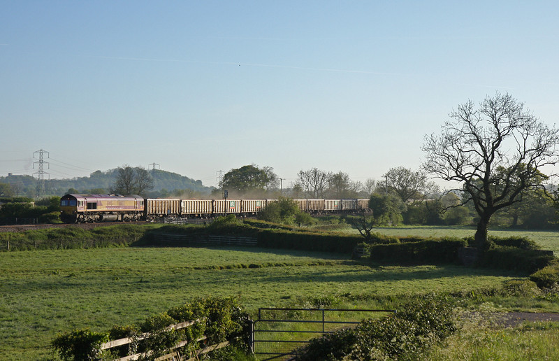 66132, 05.38 Westbury-Exeter Riverside Yard, Pugham Crossing, near Burlescombe, 15-5-14.