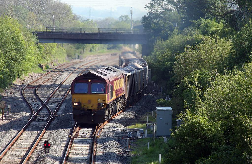 66132, 07.17 Westbury-Exeter Riverside Yard, departs Tiverton Loops, Willand, near Tiverton, 16-5-14.