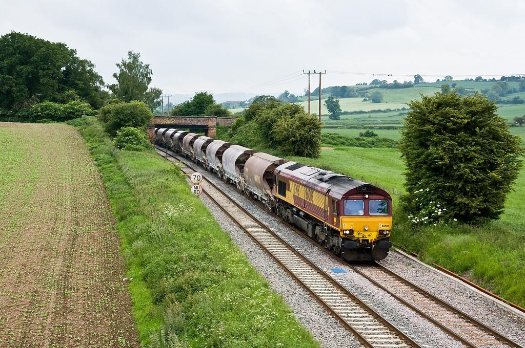 66005, 09.55 Newport Alexandra Dock Junction-Bescot Down Sidings, Bayston Hill, Shrewsbury, 31-5-14.