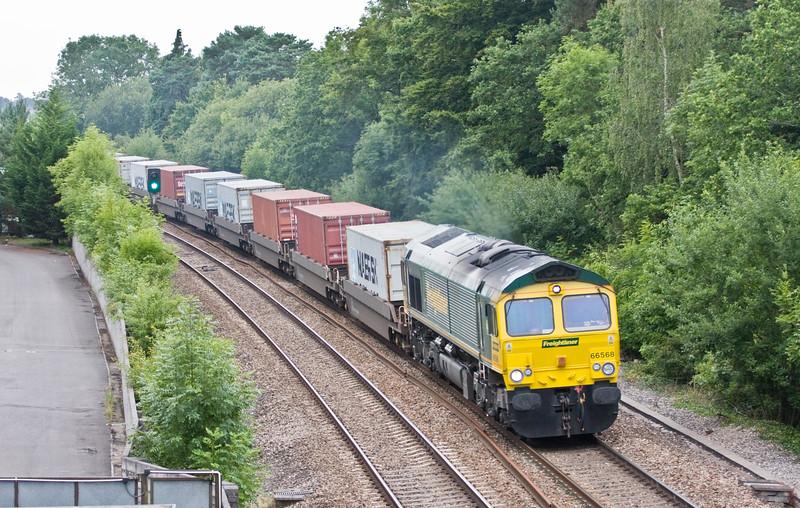66568, 09.28 Bristol Freightliner Terminal-Felixstowe North Freightliner Terminal, Coalpit Heath, Bristol, 11-8-15.