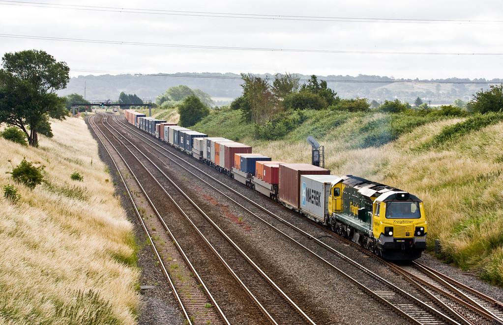 70013, 05.08 Southampton MCT-Cardiff Wentloog, leaving Pilning loop, 11-7-15.
