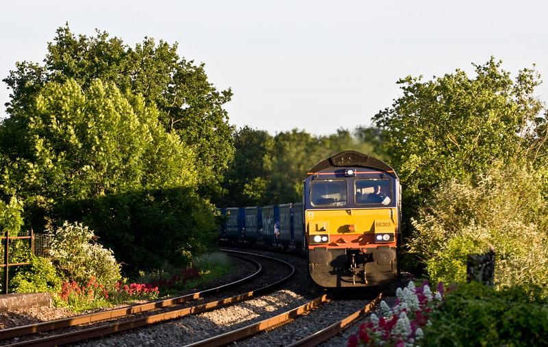 66303, 18.58 Cardiff Wentloog-Daventry International Railfreight Terminal, Bullo Pill, near Newnham, Gloucestershire, 18-6-15.