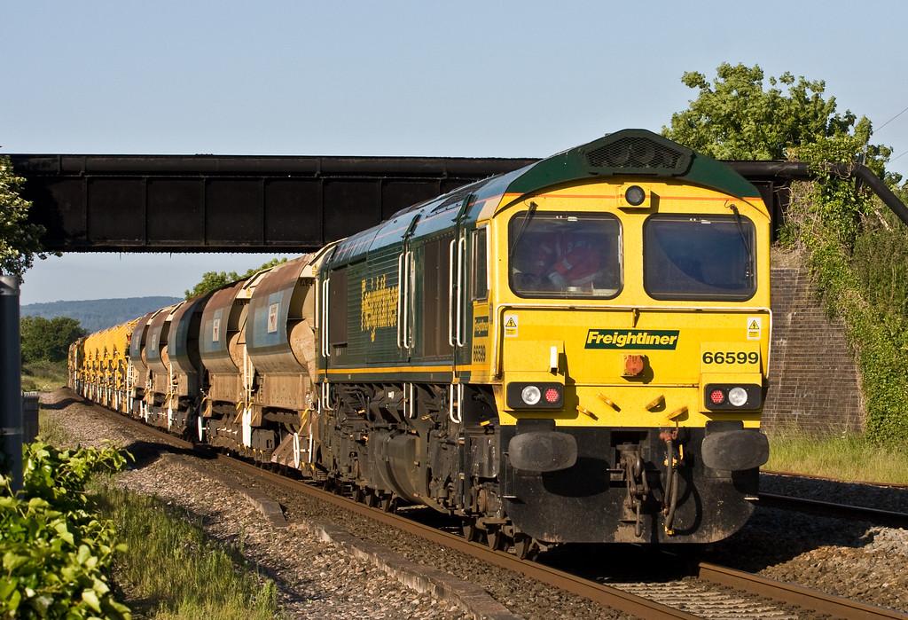 66526/66599, top'n'tail 05.15 Miskin (near Cardiff)-Taunton Fairwater Yard, Cogload, 10-06-15.