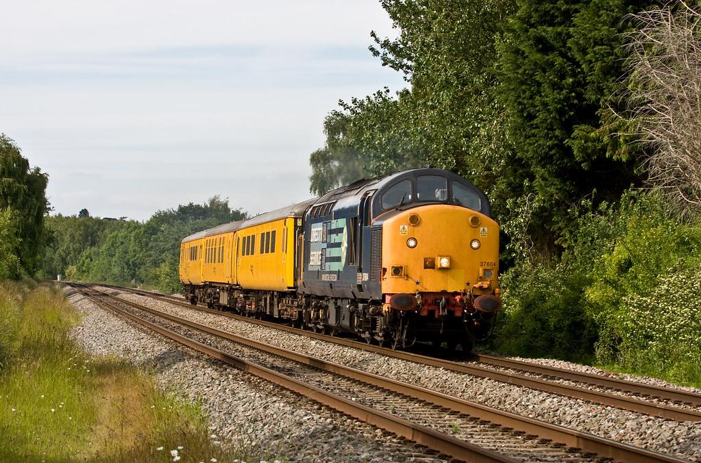 37604, 14.29 Derby Railway Technical Centre-Newport Alexandra Dock Junction Yard, Bullo Pill, near Newnham, Gloucestershire, 18-6-15.