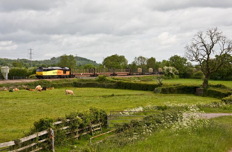 60076, 05.35 Chirk Kronospan-Exeter Riverside Yard, Pugham Crossing, near Burlescombe, 28-5-15.